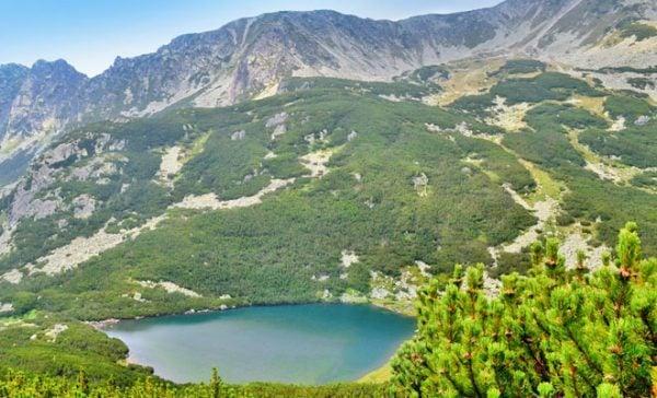 Lacul Lia Munții Retezat
