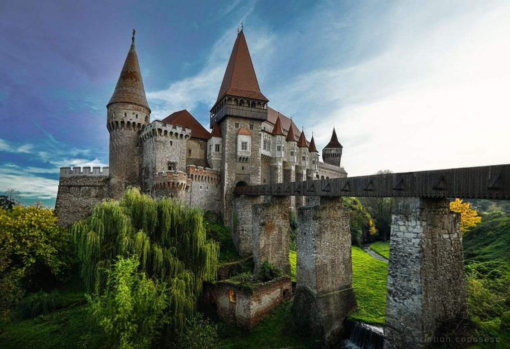 Castelul Corvinilo județul Hunedoara