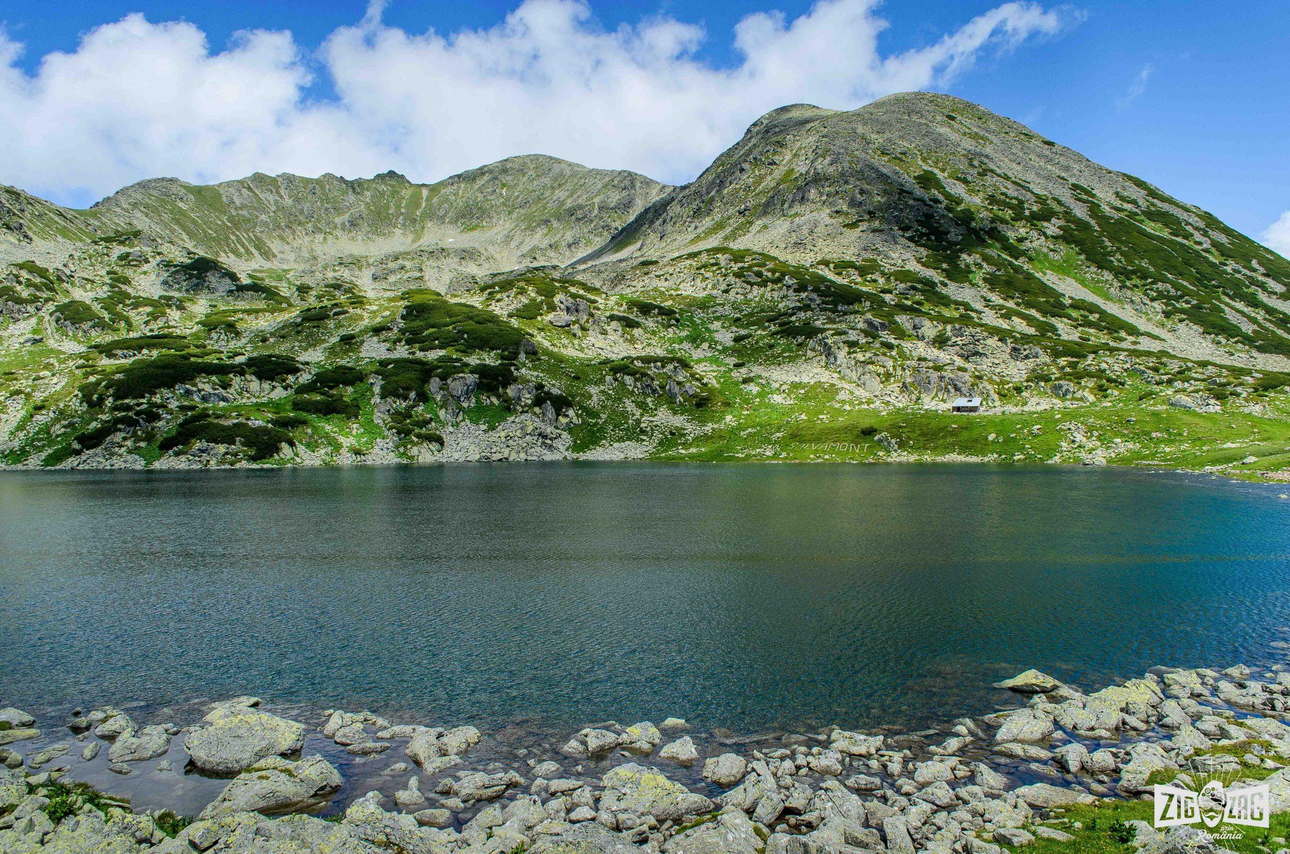 Lacul Bucura. Drumeţii montane.
